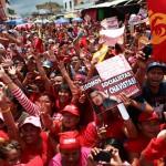 Militantes del PSUV en Valencia expresan su apoyo a Chávez y Ameliach. Foto: AVN