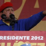 El candidato Hugo Chávez ofrece un discurso en Valencia, capital del estado Carabobo. Foto: AVN