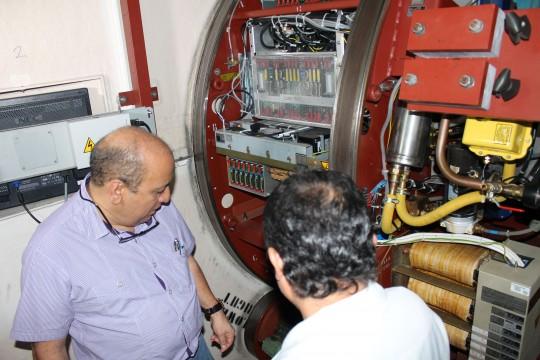 reparación y recuperación del generador de energía lineal del hospital Oncológico