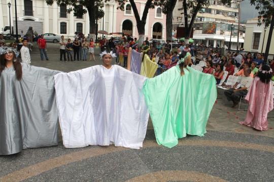 Actividades culturales en la plaza