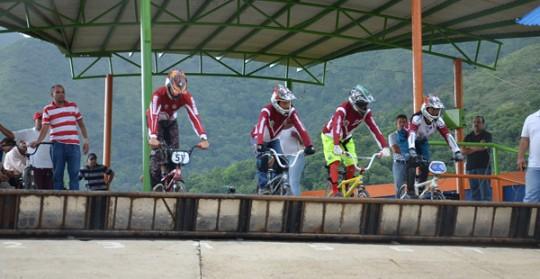 Bicicross carabobeño a todo pedal
