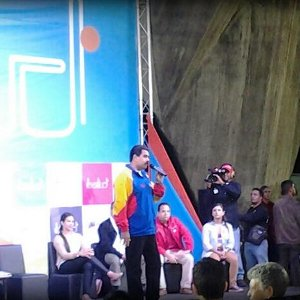 "Presidente Maduro lanza oficialmente tarjeta juvenil ""Somos"""