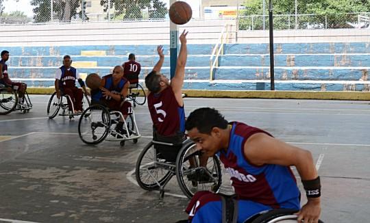 baloncesto sobre silla de rueda