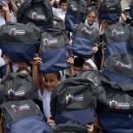 Gobierno de Carabobo comenzó entrega de 100 mil morrales con útiles escolares