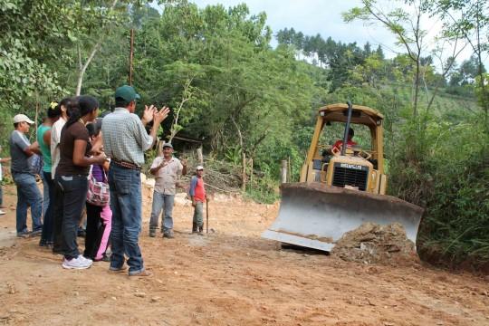 Gobierno de Carabobo consolidará 168 kms de vialidad agrícola este año