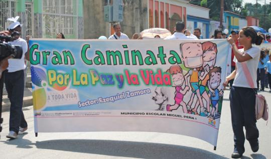 Más de 300 carabobeños caminaron  por la Paz y la Vida en Miguel Peña