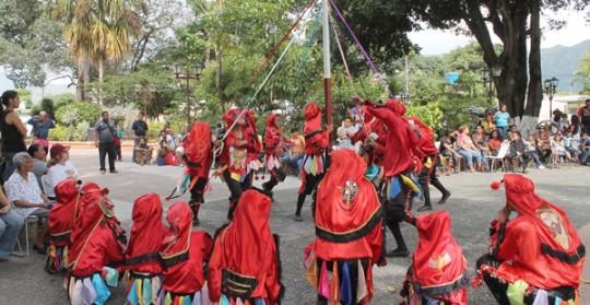 Diablos Danzantes de Carabobo se encontraron  como antesala al encuentro nacional
