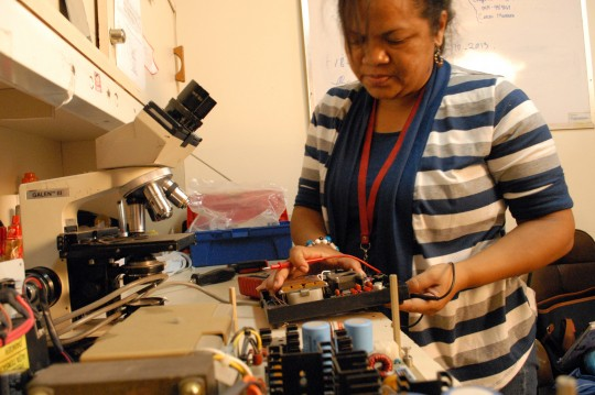 Equipo biomédico recibe capacitación  para repotenciar red hospitalaria