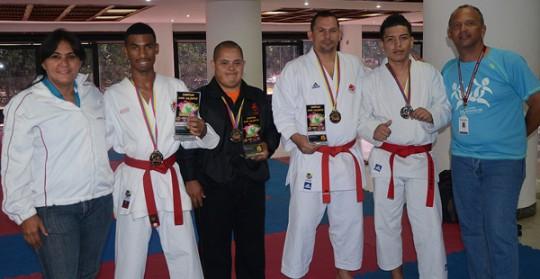 karatecas carabobeños sobresalieron