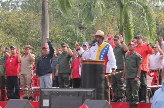 Maduro juramentó en Campo Carabobo Frente Cívico Militar para guerra económica