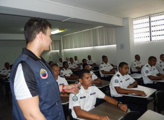 Discentes de PoliCarabobo recibieron  capacitación en derechos humanos