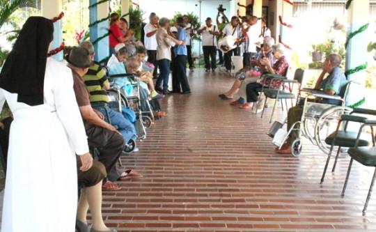 Abuelos de Carabobo celebraron navidad al ritmo de música