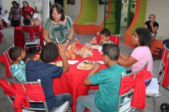 Primera Combatiente llevó alegría A niños de Casa Abrigo Luis Guada Lacau