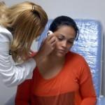 Más de 100 personas favorecidas en despistaje de melanoma