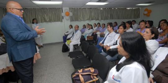 Insalud y UC dictan diplomado en Odontopediatria y Endodoncia