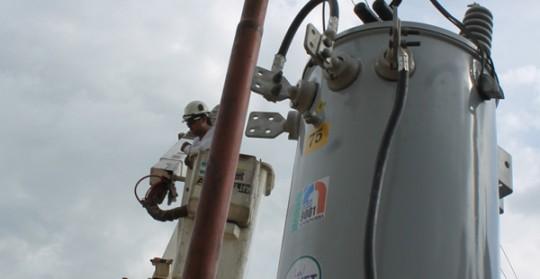 Gobernación donó transformadores eléctricos para Mil 675 familias de Miguel Peña