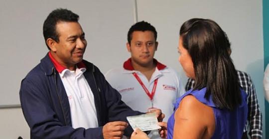 Fundapueblo ha otorgado 1.800 créditos a microempresarios durante 2014