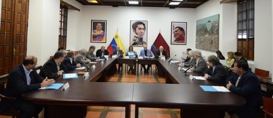 Empresarios automotrices confían en compromiso del gobierno bolivariano para reactivar sector
