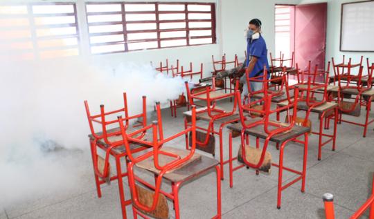 Insalud continúa ejecutando Plan de fumigación en escuelas