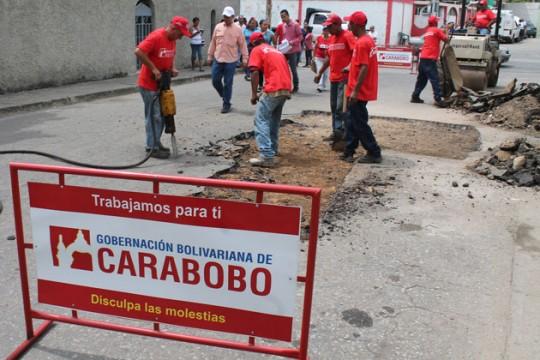"""Gobernación llevó a """"El Prado"""" y """"19 de Abril"""" Plan de Asfaltado Carabobo 2014"""