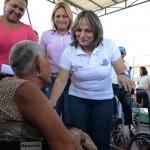 Gobernación entregó  ayudas de salud  a habitantes de Valencia y San Joaquín