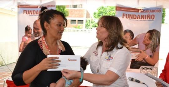 Gobernación de Carabobo entregó 40 cartas avales para salud de niños