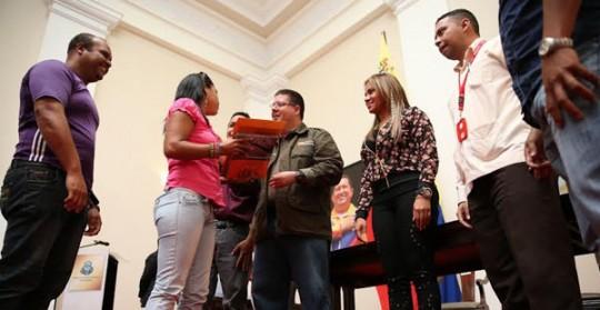 Gobierno Bolivariano entregó Bs 53 millones para financiar proyectos de Consejos Comunales