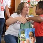 Gobierno de Ameliach continúa llevando felicidad con entrega juguetes