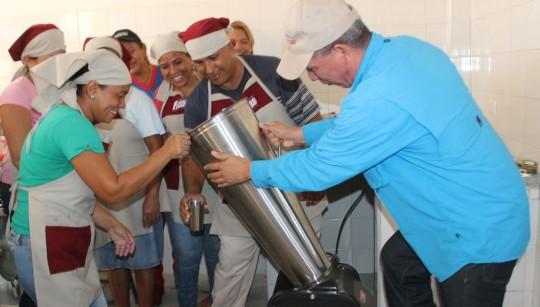 Pusimos en marcha cocina en UEE Doroteo Centeno de Puerto Cabello