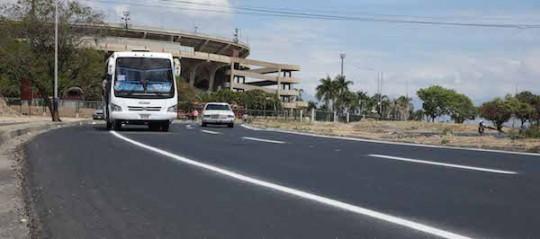 Asfaltamos vía desde La Monumental a Ciudad Chávez