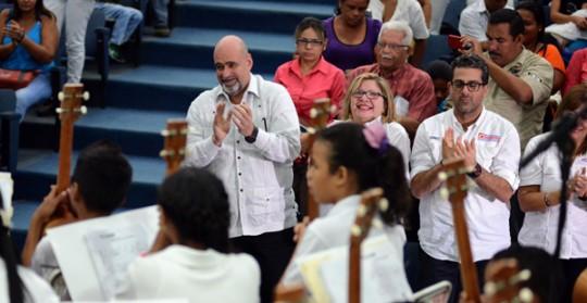 Niños de Bases de Misiones brillaron con Concierto de Cuatros por la Paz