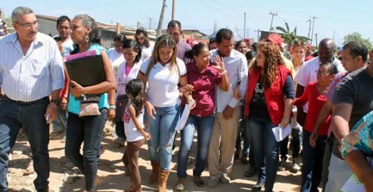 Ministra Iris Varela llevó soluciones  a Hogares de la Patria en Los Guayos
