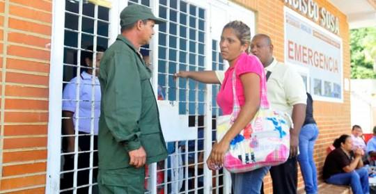 Usuarios de la Chet aplauden incorporación de milicianos a seguridad hospitalaria