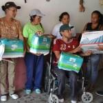 Gobernación entregó en Las Palmitas ayudas de salud casa por casa