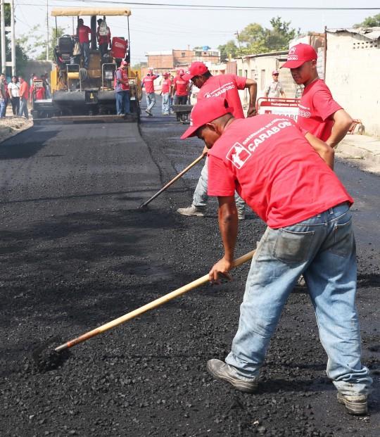 Gobernación ha colocado en Diego Ibarra más de 6 mil toneladas de asfalto