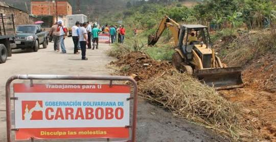 Gobernación  de Carabobo realiza limpieza de canales en eje occidental