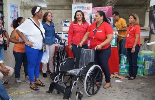 Gobierno regional sigue entregando ayudas de salud a carabobeños