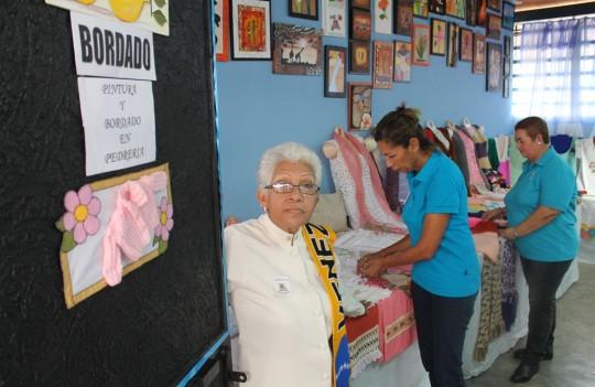 Gobierno Regional organiza exposiciones socio productivas en escuelas de especialidades