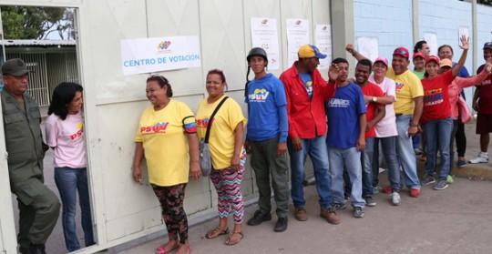 En primarias del Psuv participaron 6 veces más electores que en las de la MUD