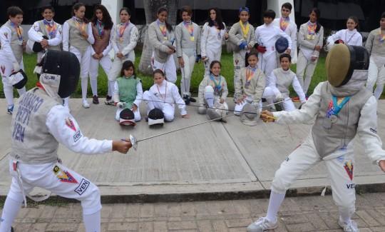 Esgrimista carabobeña Anabella Acurero se tituló Campeona Suramericana