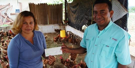 "Gobierno de Carabobo entregó microcréditos a ""Familias Productivas"""
