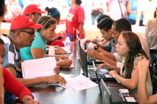 Con alta participación inició en Carabobo registro del Movimiento de Colombianos
