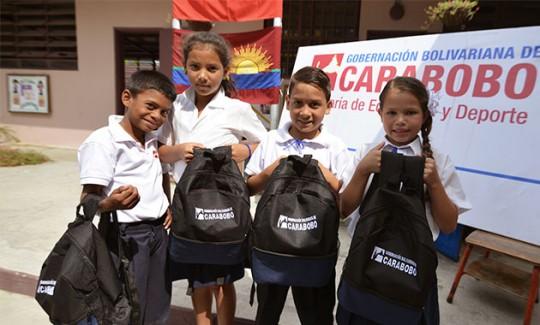 Gobierno de Carabobo continúa recuperación de escuelas y entrega de morrales