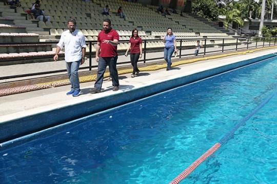 Pusimos 100% operativa Piscina del Polideportivo Misael Delgado