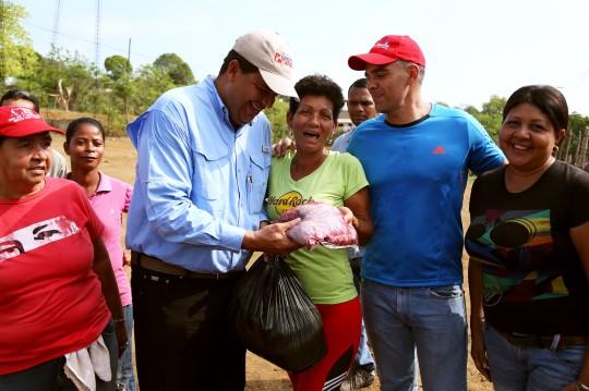 Hemos beneficiados a más de 130 mil carabobeños con distribución de alimentos casa por casa