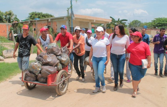 Hemos beneficiado a más de 130 carabobeños con distribución de alimentos casa por casa