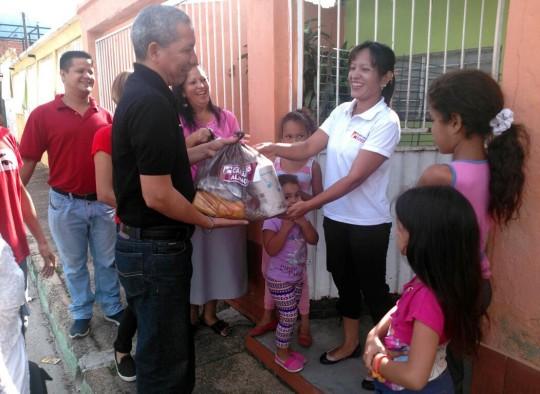 Distribuimos 300 toneladas  de alimentos para 43 mil familias