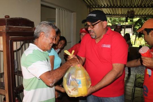 """Beneficiados califican como excelente entrega de alimentos """"Casa por Casa"""""""