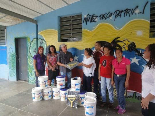 Hemos recuperado durante asueto escolar Fachada de U.E.E. Josefina Salcedo García