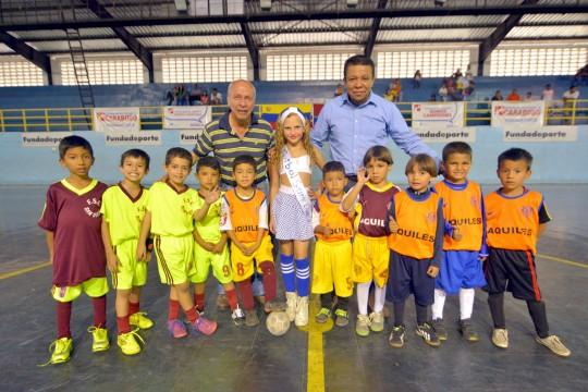 24 equipos inauguran nacional Mini y preinfantil de fútbol de salón